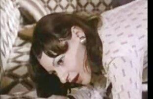 شریک crumples titties بزرگ, جوجه در شورت سفید در کانال سوپر خفن مقابل وب کم