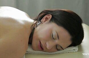Ççê ی نیکول گور به فیلم سوپر سکسی خفن آرامی undresses و استمناء بر روی یک صندلی