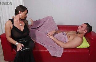 دو سیاه پوستان چوب dildo فیلم سیکس خفن به در الاغ مادر در جوراب ساق بلند, سپس درایو را cocks خود را به بیدمشک و مقعد او