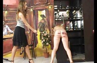 فرفری سیاه پوست در لباس زیر زنانه قرمز می دهد کار ضربه و بیرون زده کانال سکسی خفن در تلگرام الاغ او را به فاک بیدمشک