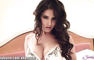 دختر انحنا در جوراب ساق بلند سایت سکسی خفن استمناء با dildo در وب کم
