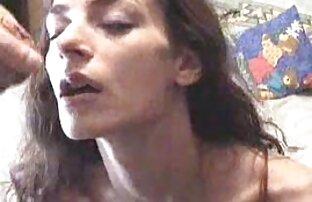 Focker licked مقعد از یک مو قرمز در کفش پاشنه فیلم خفن سکس خارجی بلند و پاره او را در الاغ