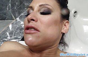 پایه دار شاهزاده عکس سوپر سکسی خفن خانم استمناء بیدمشک تراشیده او در مقابل دوربین