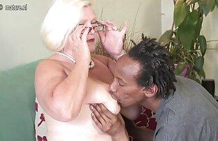 جوجه سیاه فیلم سیکس خفن پوست بمکد در اتاق خواب قبل از رابطه جنسی مقعد